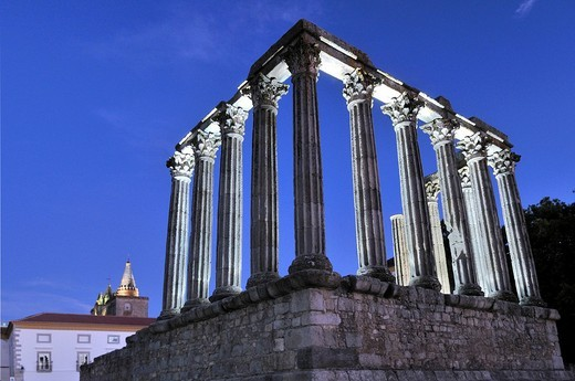 Roman Temple of Diana in Evora at night, UNESCO World Heritage Site, Alentejo, Portugal, Europe : Stock Photo