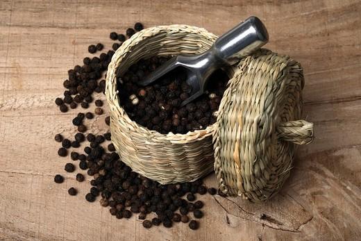 Stock Photo: 1848R-385420 Black pepper
