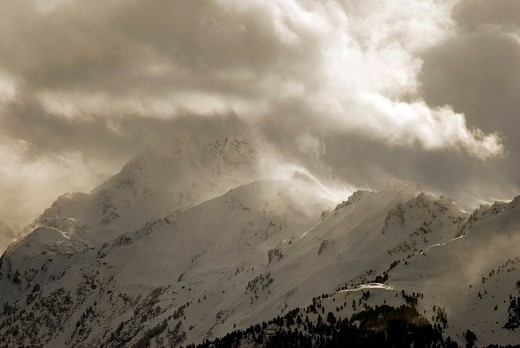 Stock Photo: 1848R-387910 Foehn storm over the Tux pre-Alps, Mts  Haneburger, Rosskopf and Wattenspitze, Tux Alps, Tyrol, Austria, Europe