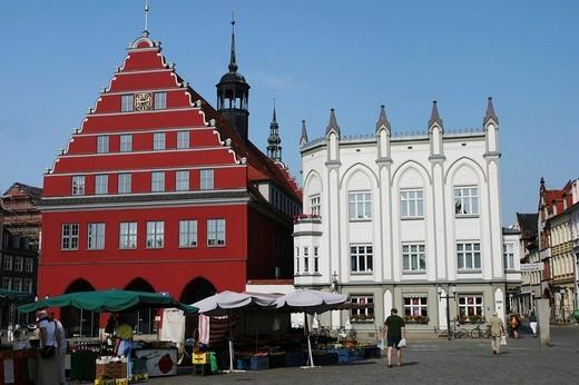 Stock Photo: 1848R-390619 BRD Germany Mecklenburg Vorpommern Greifswald Market Square with City Hall