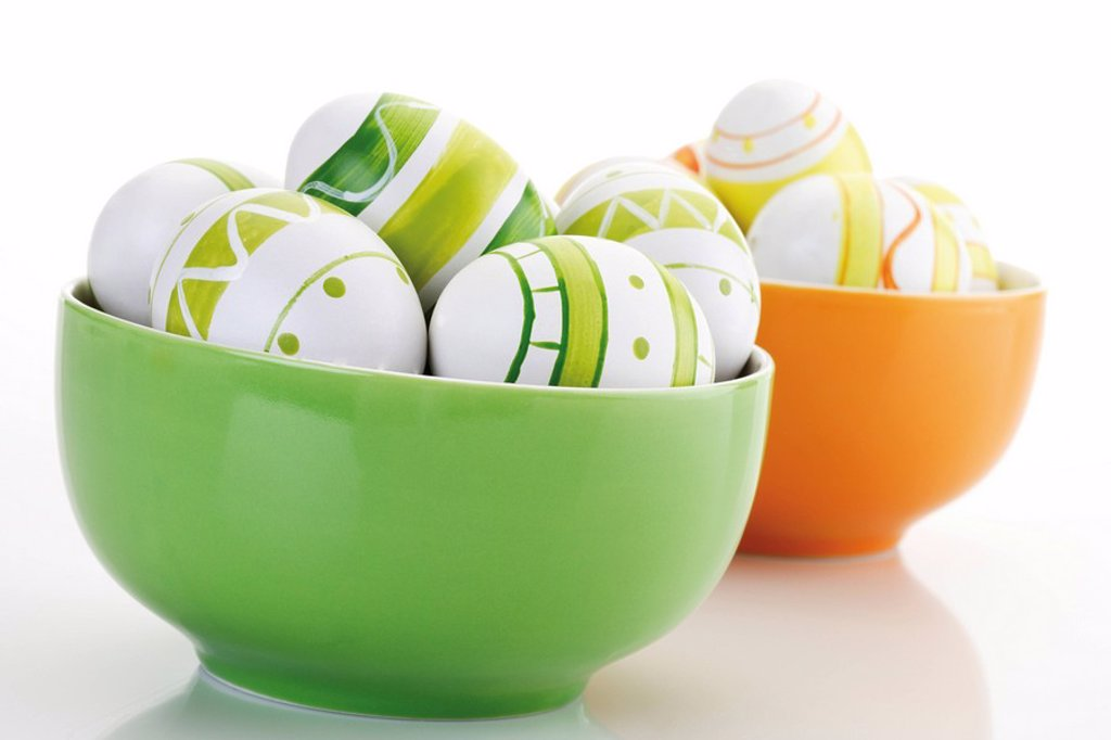 Easter eggs in a bowl : Stock Photo