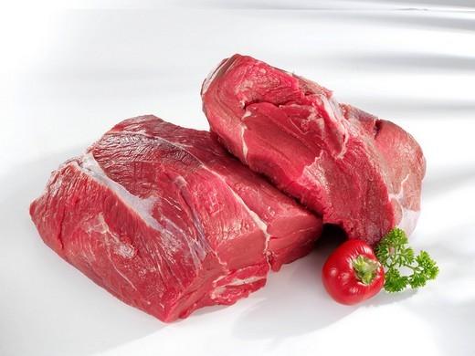 Stock Photo: 1848R-396376 Raw beef shin