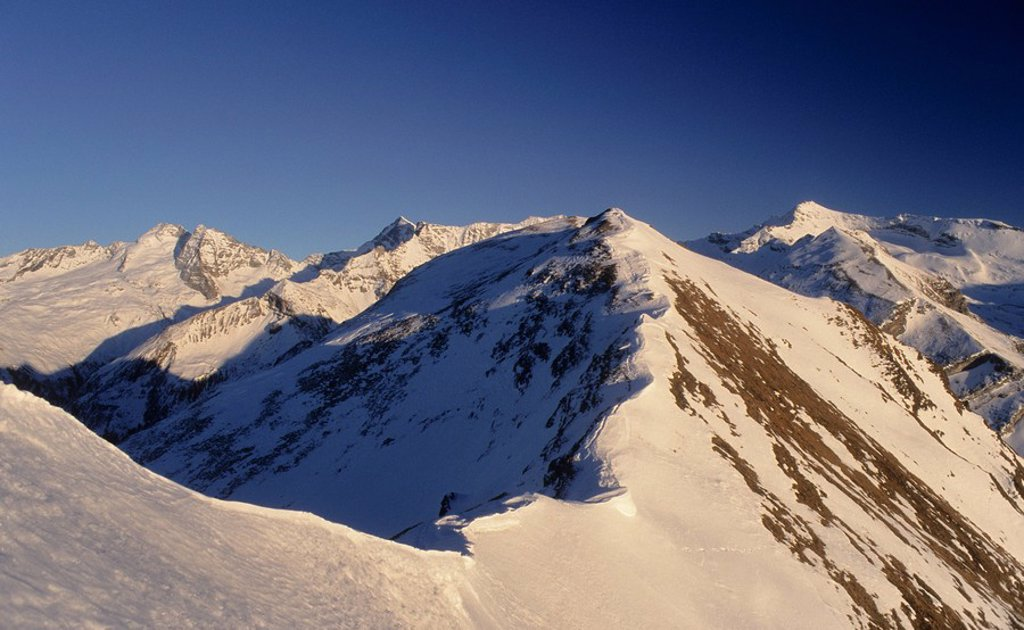 Snow ridge, cornice, Tux Alps, Tyrol, Austria, Europe : Stock Photo