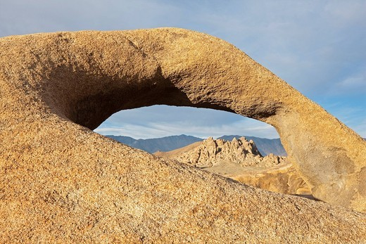 Mobius Arch, natural rock arch, Alabama Hills, Sierra Nevada, California, USA : Stock Photo