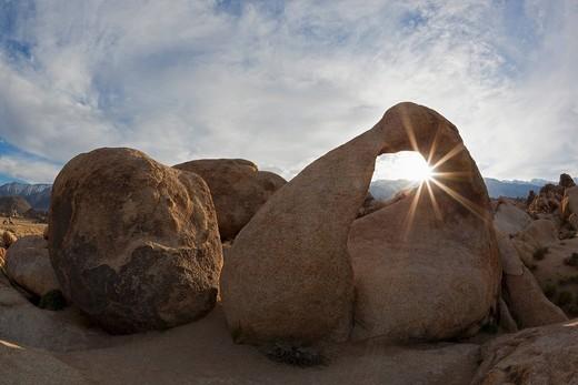 Mobius Arch, natural rock arch, Alabama Hills, Sierra Nevada, California, USA : Stock Photo