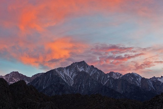 Sunset over the snowcapped peak of Mount Whitney, Alabama Hills, Sierra Nevada, California, USA : Stock Photo