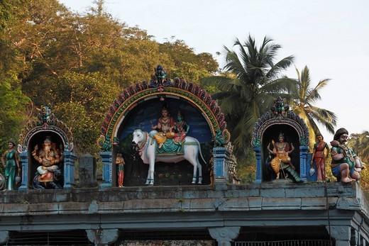 Kutralanathar Temple, Kutralam Kuttralam, Kuttalam, Courtallam, Western Ghats, Tamil Nadu, Tamilnadu, South India, India, Asia : Stock Photo