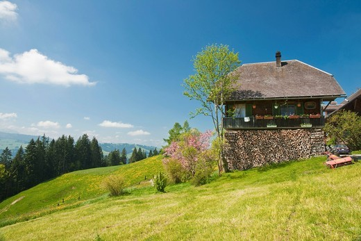 Stock Photo: 1848R-514989 Small farmhouse in Emmental above Eggiwil, Canton Bern or Berne, Switzerland, Europe