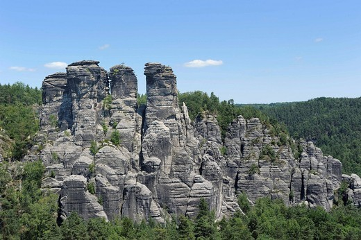 Bastei with Kleine Gans rock formation, Elbsandsteingebirge Elbe Sandstone Mountains, Nationalpark Saechsische Schweiz national park, Saxon Switzerland, Saxony, Germany, Europe : Stock Photo
