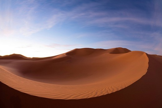 Sand dunes of the Libyan desert at dawn, Sahara, Libya, North Africa, Africa : Stock Photo