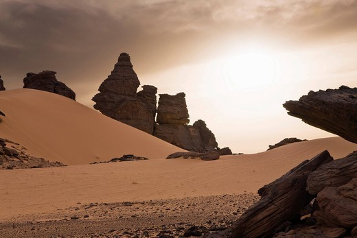Rock formations in the Libyan Desert, Wadi Awis, Akakus Mountains, Libyan Desert, Libya, Africa : Stock Photo