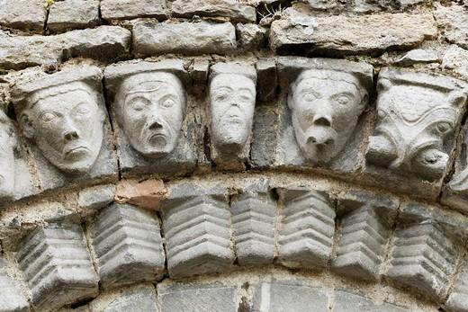 Faces of stone, Dysert O´Dea church ruins near Corofin, County Clare, Ireland, Europe : Stock Photo