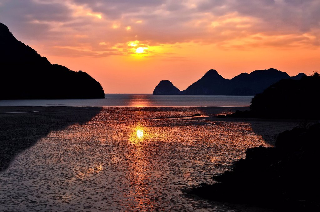 Sunset in Cat Ba, Halong Bay, Vietnam, Southeast Asia : Stock Photo