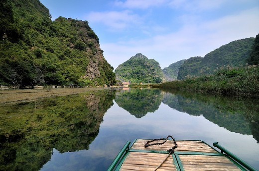 Near Ninh Binh, on the way along the river to the caves of Trung Anh, dry Halong Bay, Vietnam, Southeast Asia : Stock Photo