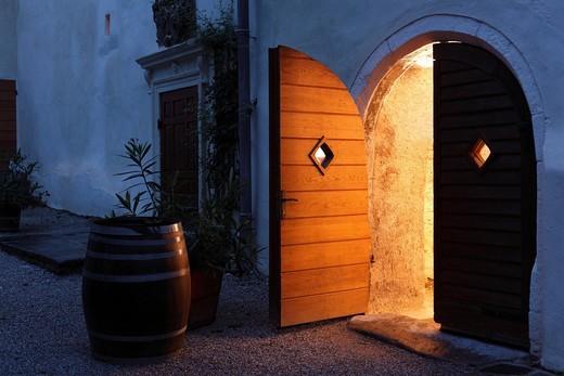 Stock Photo: 1848R-519766 Door, Schloss Spitz Castle, Spitz an der Donau, Wachau, Waldviertel, Lower Austria, Austria, Europe