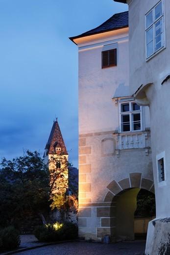 Stock Photo: 1848R-519767 Schloss Spitz Castle and Parish Church, Spitz an der Donau, Wachau, Waldviertel, Lower Austria, Austria, Europe