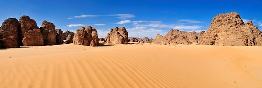 Tassili n´Ajjer National Park, Unesco World Heritage Site, Tikobaouine Region, Wilaya Illizi, Algeria, Sahara, North Africa : Stock Photo
