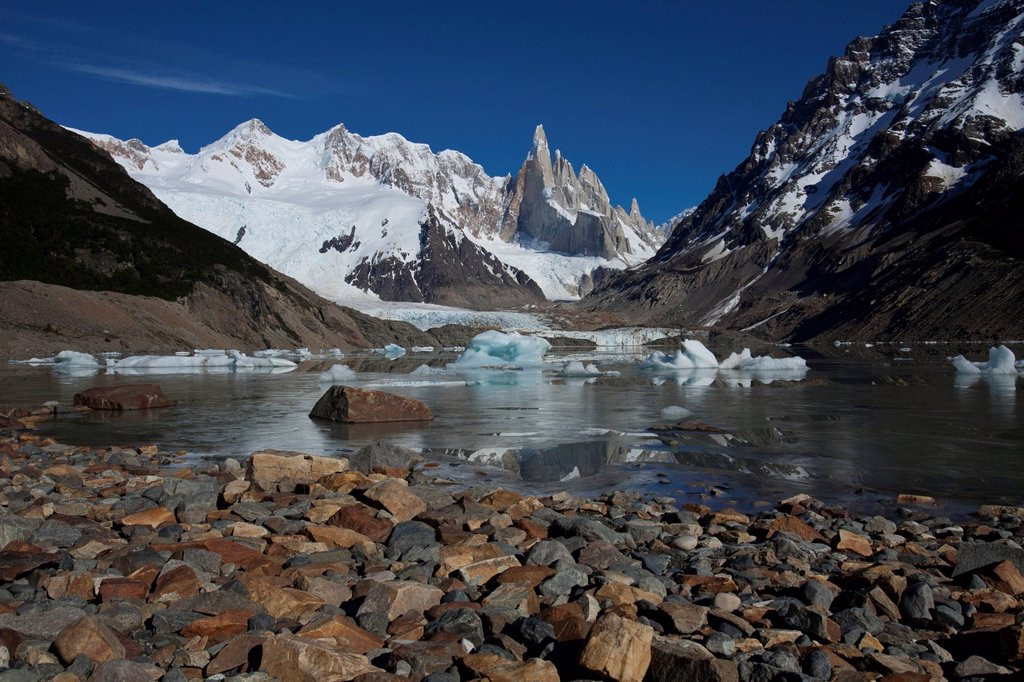 Cerro Torre mountain, 3133m, and Laguna Torre, Los Glaciares National Park, Patagonia, Argentina, South America : Stock Photo
