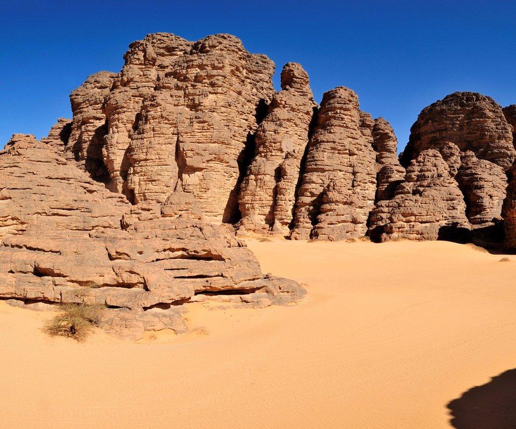 Stock Photo: 1848R-523859 Sandstone rock formation at Tikobaouine, Tassili n´Ajjer National Park, Unesco World Heritage Site, Wilaya Illizi, Algeria, Sahara, North Africa