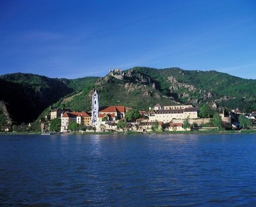 Stock Photo: 1848R-528609 Dürnstein Duernstein Danube river Wachau Lower Austria