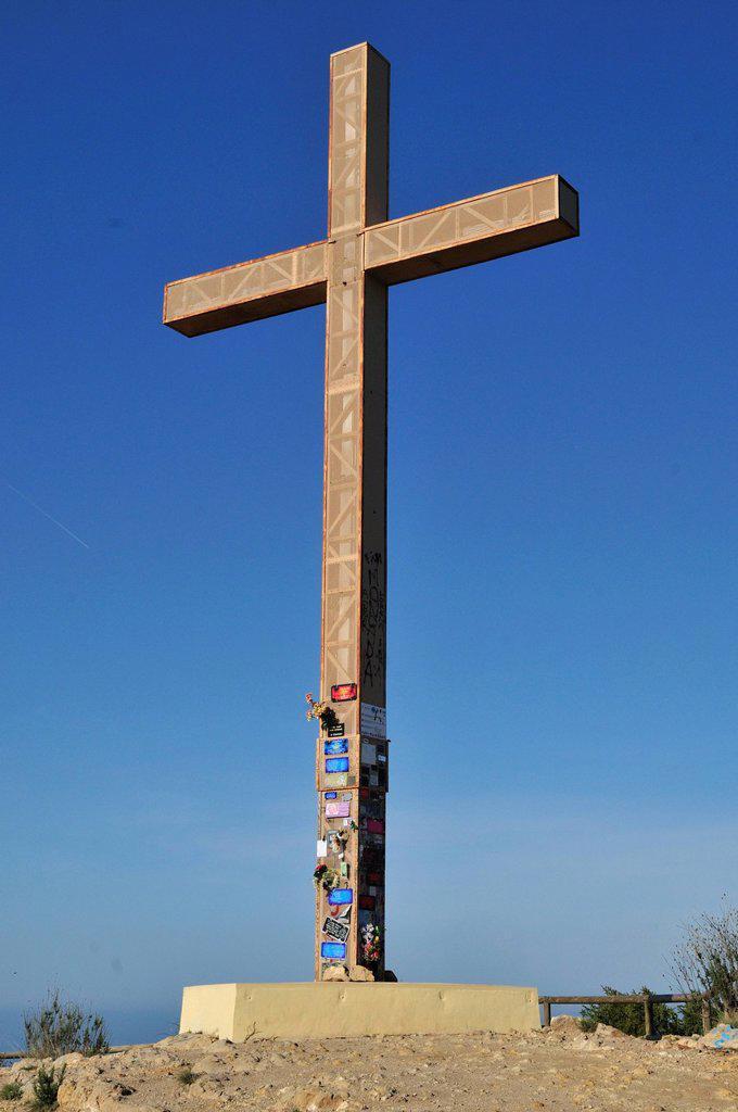 Stock Photo: 1848R-633336 Huge wooden cross on a hill overlooking Benidorm, Costa Blanca, Spain, Europe