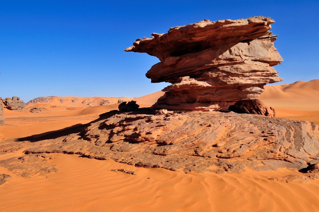 Stock Photo: 1848R-635738 Sandstone rock formation near Tin Merzouga, Tadrart, Tassili n´Ajjer National Park, Unesco World Heritage Site, Algeria, Sahara, North Africa