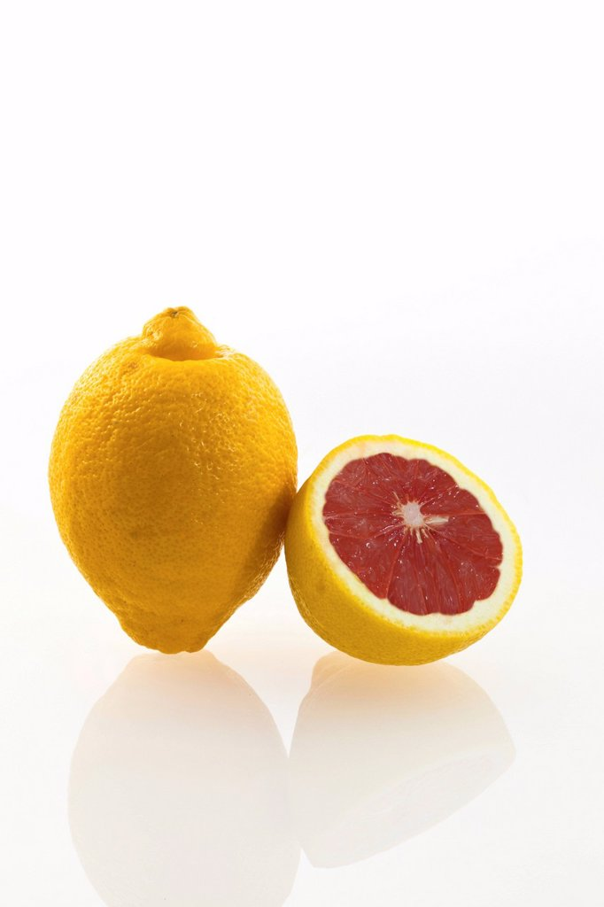 Stock Photo: 1848R-637111 Symbolic image, genetically modified lemon, lemon with genes of a grapefruit