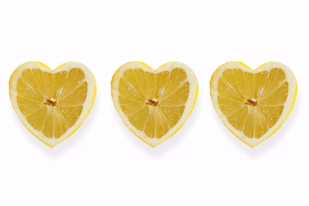 Stock Photo: 1848R-643120 Heart_shaped lemons