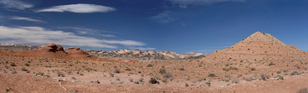 Stock Photo: 1848R-643761 Waterpocket Fold, geological formation, Notom_Bullfrog Scenic Backcountry Drive, Capitol Reef National Park, Utah, USA