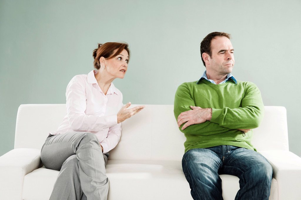 Stock Photo: 1848R-645117 Quarrelling couple