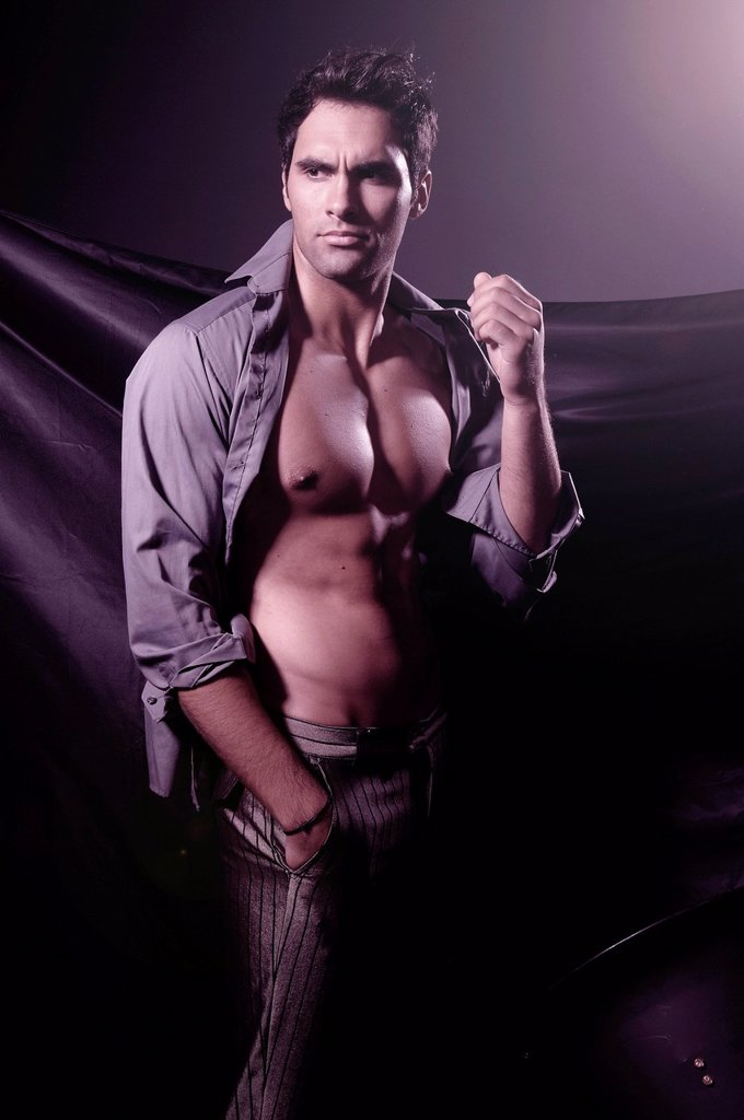 Stock Photo: 1848R-645319 21_year_old male model, open shirt