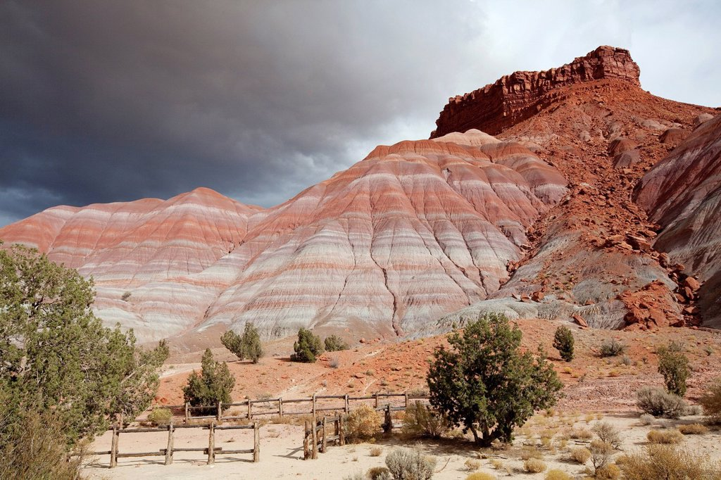 Stock Photo: 1848R-645509 Rocky landscape in the Old Paria Movie Set, Utah, USA, America