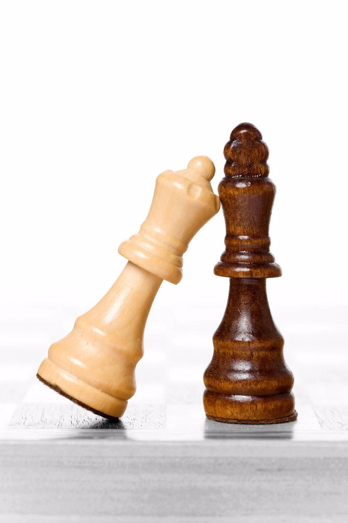 Stock Photo: 1848R-734099 Chess pieces, King and Queen