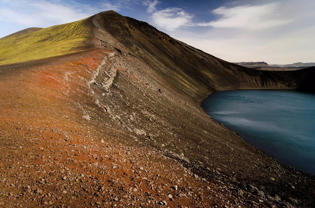 Stock Photo: 1848R-740092 Hnausapollur Crater Lake, Landmannalaugar, Fjallabak Nature Reserve, Highlands, Iceland, Europe