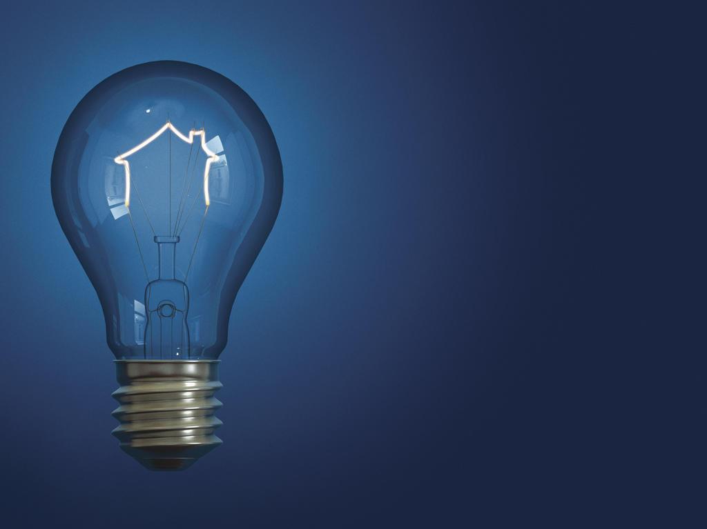 Stock Photo: 1849-1476 Light bulb shaped like house