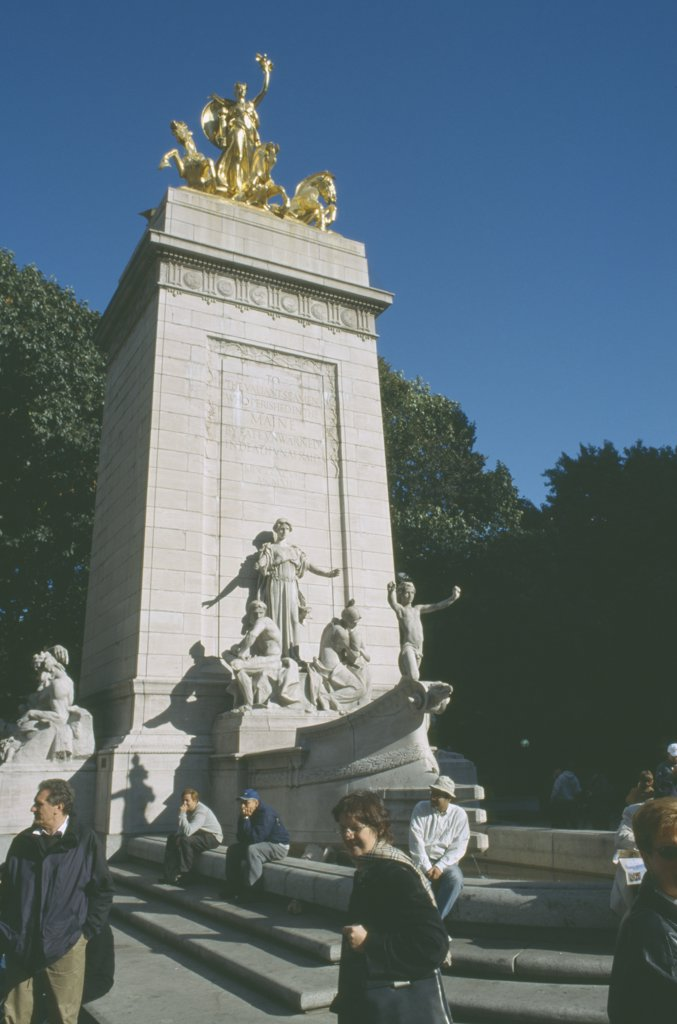 Usa, New York, Manhattan, Maine Memorial On Columbus Ciorcle And The South West Corner Of Central Park : Stock Photo
