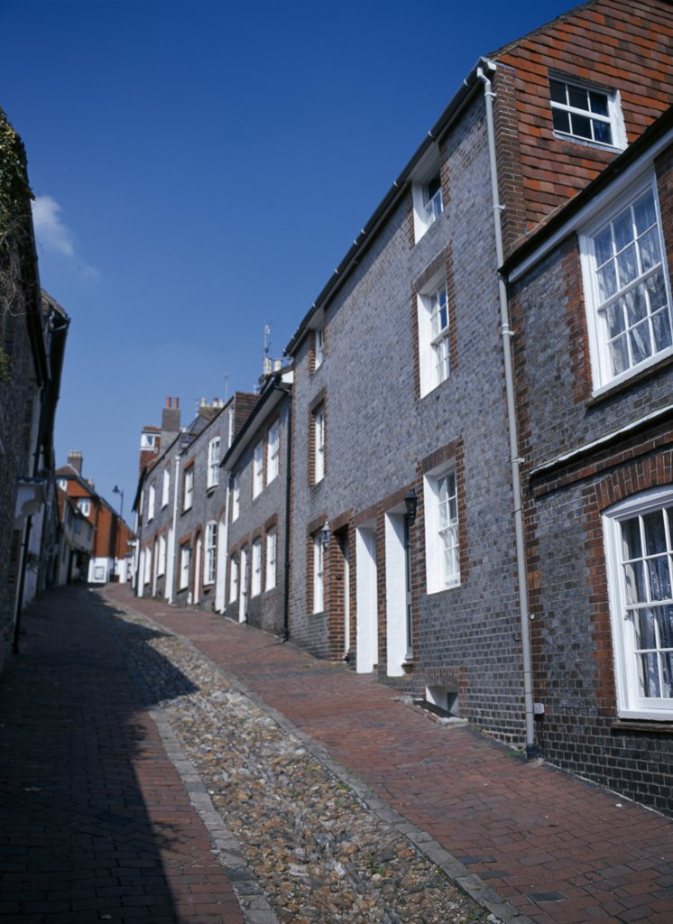 England, East Sussex, Lewes, View Up Cobbled Old Street With Cottage Housing. : Stock Photo