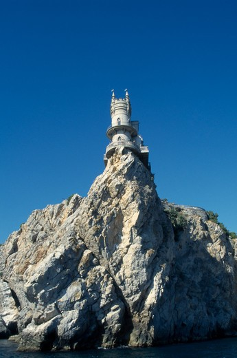 Stock Photo: 1850-12213 Ukraine, Crimea, Swallow?S Nest, Cliff Top Folly Built By German Oil Magnate In The 1900S.