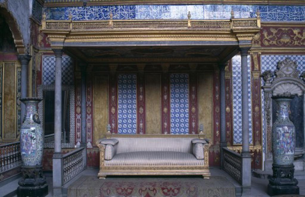 Stock Photo: 1850-14452 Turkey, Istanbul, Topkapi Palace Imperial Hall Sofa Under Canopy