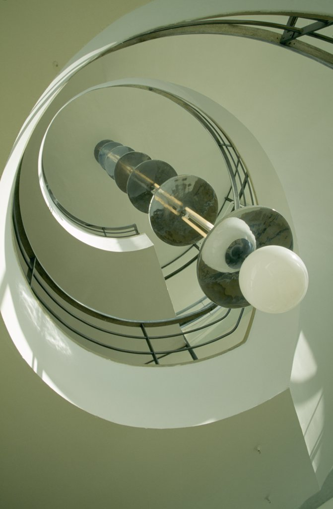 England, East Sussex, Bexhill On Sea, De La Warr Pavilion. Interior View Looking Upwards At The Helix Like Spiral Staircase And Bauhaus Globe Lamps. : Stock Photo