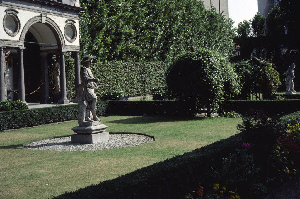 Stock Photo: 1850-18542 Belgium, Flemish Region, Antwerp, The Garden Of Artist Peter Paul Rubens House.
