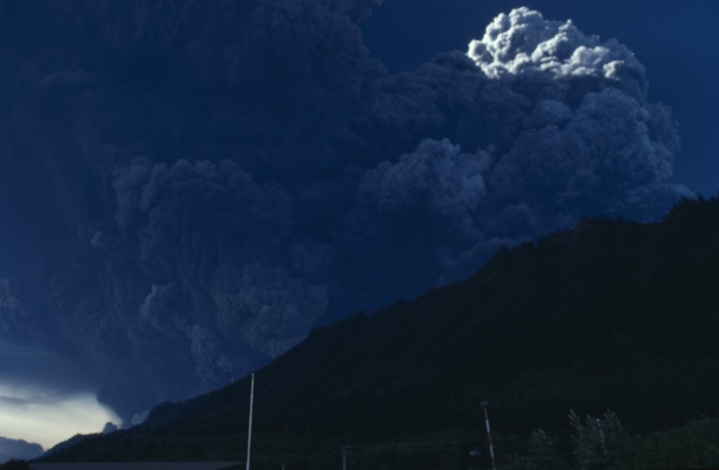 Stock Photo: 1850-18975 Usa, Washington State, Mount St Helens Volcanic Eruption 1980 At 8.50Am.  Billowing Ash Rising From Forest Covered Mountain