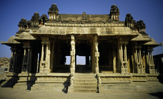 India, Karnataka, Hampi, 'Vijaya Vittala Temple . Work Is Thought To Have Started On The Temple During The Reign Of Krishnadevaraya And Despite The Fact That It Was Never Finished, The Temple'S Incredible Sculptural Work Is The Pinnacle Of Vijayanagar Art	' : Stock Photo