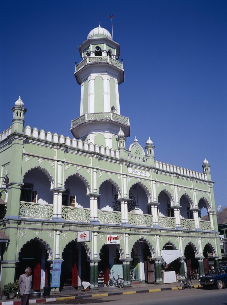 Myanmar, Maymyo, Pale Green And White Painted Exterior Of Mosque On Lashio Road With Central Minaret. : Stock Photo