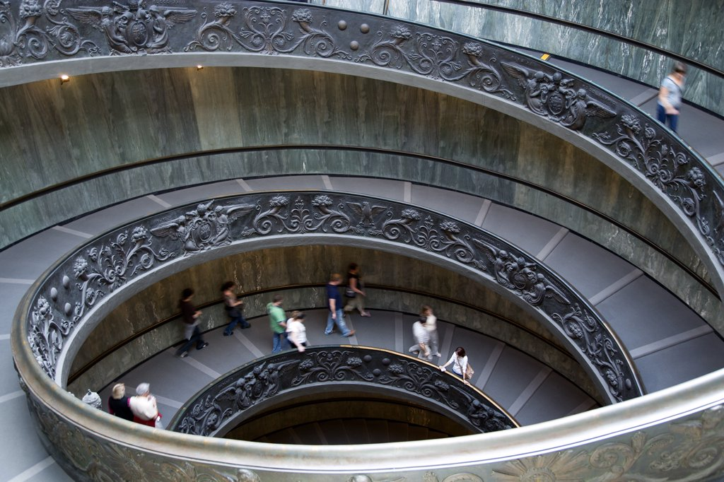 Stock Photo: 1850-24065 Italy, Lazio, Rome, Vatican City People Descending The Spiral Ramp From The Museum To The Street Designed In 1932 By Guiseppe Momo