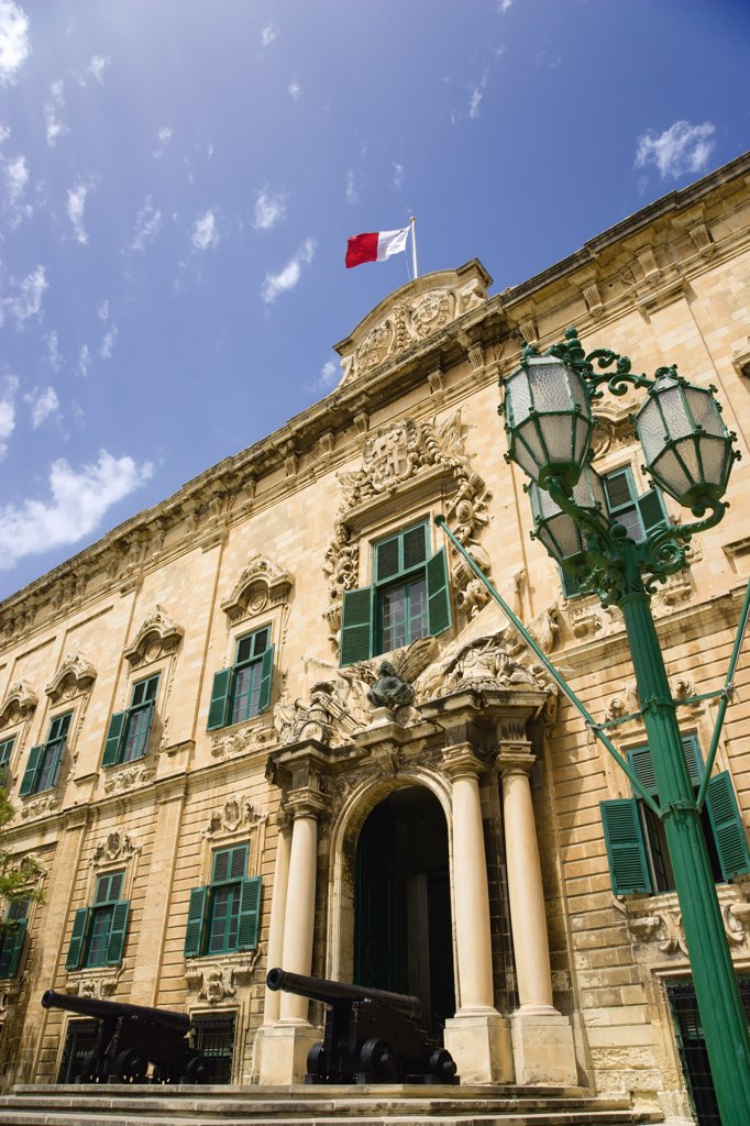 Malta, Valletta, 'The Auberge De Castille The Official Seat Of The Knights Of The Langue Of Castille, Leon And Portugal Designed By The Maltese Architect Girolamo Cassar In 1574, Now The Office Of The Prime Minister ' : Stock Photo