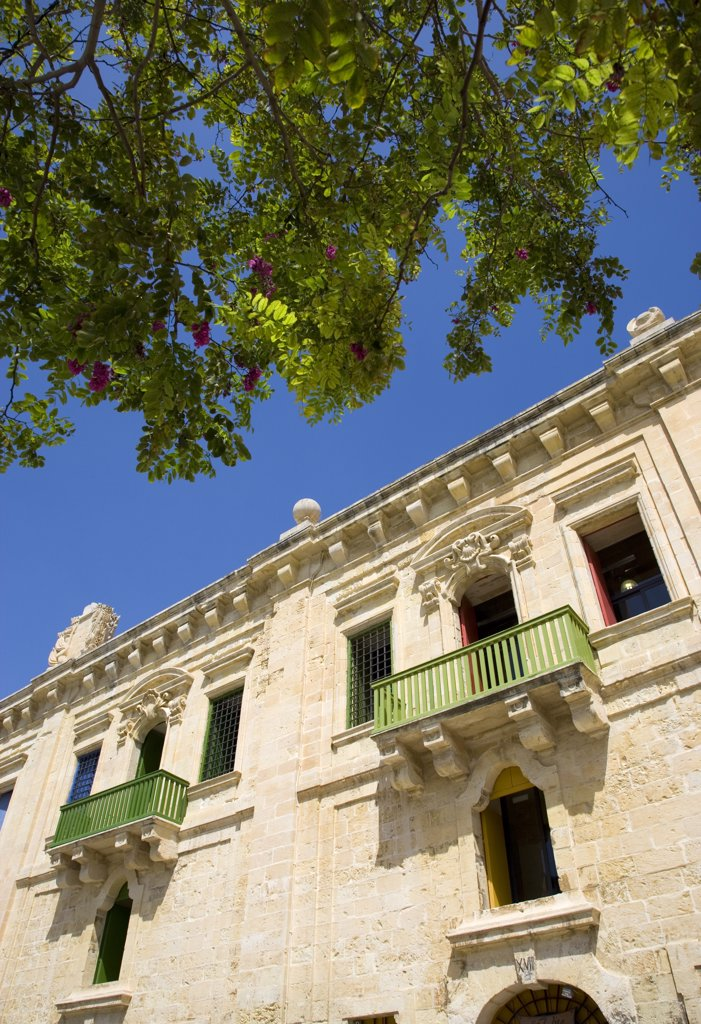 Malta, Valletta, The Waterfront Redevelopment Of Old Baroque Pinto Wharehouses Below The Bastion Walls Of Floriana Beside The Cruise Ship Terminal : Stock Photo