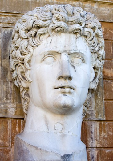 Italy, Lazio, Rome, Vatican City Museums A Large Bust Of Caesar Augustus In The Courtyard Of The Belvedere Palace : Stock Photo