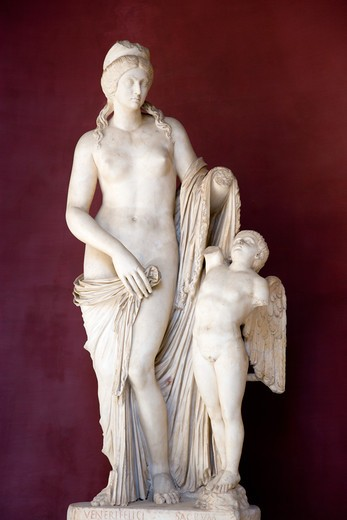 Stock Photo: 1850-25635 Italy, Lazio, Rome, Vatican City Museums Statue Venus Felix The Roman Version Of Venus With Cupid In The Octagonal Courtyard Of The Belvedere Palace