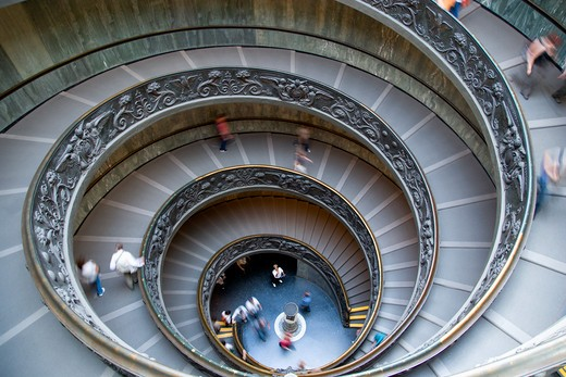 Italy, Lazio, Rome, Vatican City Museums Tourists Descending The Spiral Ramp Designed By Giuseppe Momo In 1932 Leading From The Museums To The Street Level Below : Stock Photo